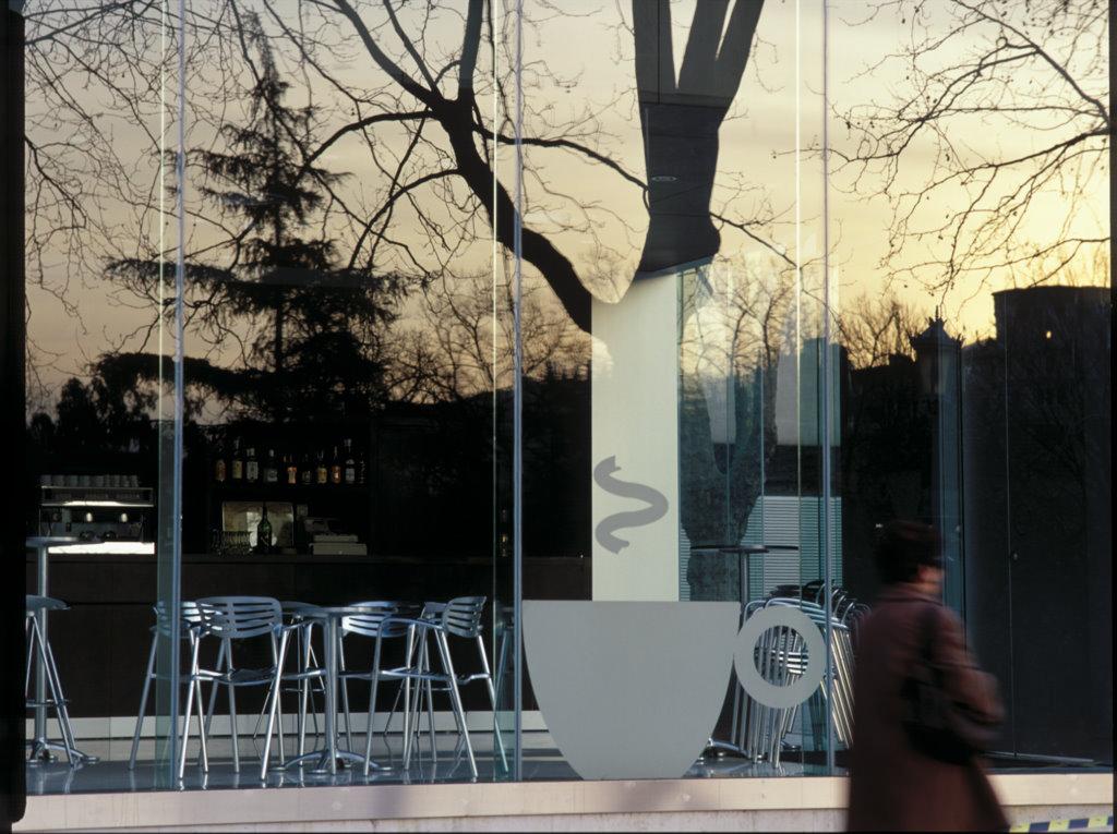 http://grafiksarea.com/wp-content/uploads/museo-bellas-artes-bilbao_007.jpg